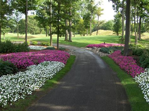 garden design with annual flowers by landscape architects