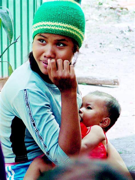 tien procent babys heeft tienermoeder