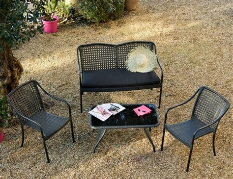 canape terrasse pas cher un mini salon de jardin pour petit espace joli place