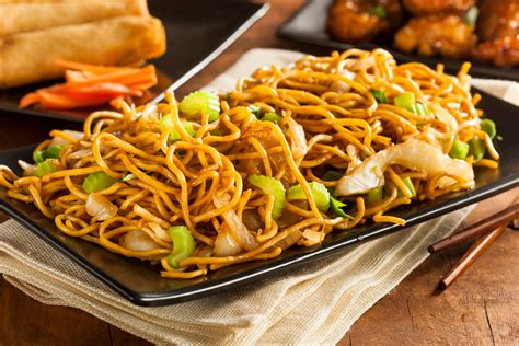 what is the difference between chow mein and lo mein chow mein and chop suey what s the real difference between them