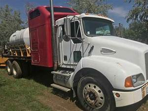 2008 Dt750 And Kenworth T300