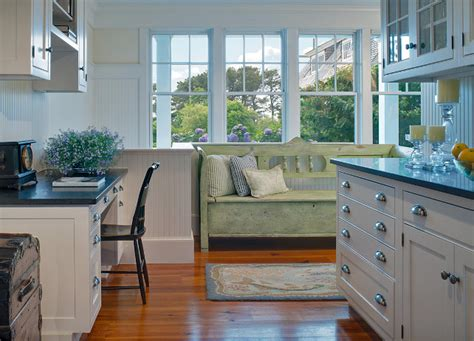 Martha's Vineyard Shingle Cottage With Coastal Interiors