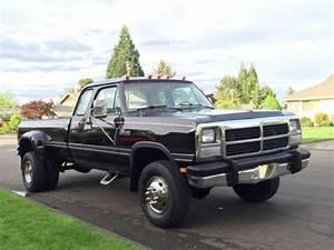 Dodge Ram 3500 Power Wagon 5 Speed Cummings Turbo Diesel