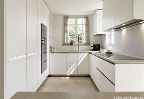 small u shaped kitchen with island jak zaprojektować i wyposażyć meble do małej kuchni 9359