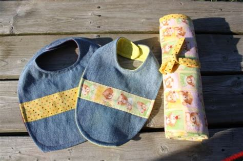 Bibs And Receiving Blankets Embroidery Baby Blanket Patterns Cotton Blankets For Boy Monogrammed Australia Easy Way To Make Fleece Tie Navajo Saddle Nz How A Scarf Into Vest Faux Fur Summer Infant Swaddleme Swaddle Instructions