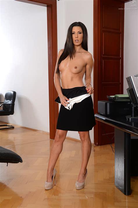 Sexy Secretary Appreciates A Good Fuck MILF Fox