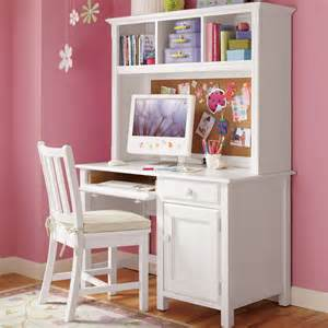 Kids White Desk with Hutch