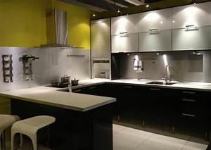 Luminaire Sous Meuble Cuisine : simple with luminaire meuble cuisine ~ Teatrodelosmanantiales.com Idées de Décoration