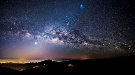 Milky Way Meteor Ariane Rocket Seen Over Doi