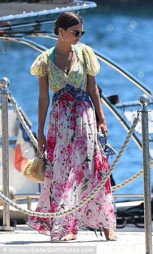 Emily Ratajkowski enjoys sunshine ahead of Cannes 2017 ...