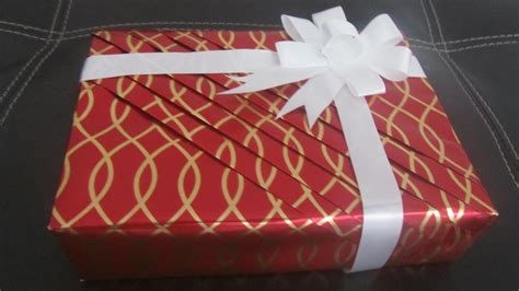 best way to wrap presents part 1 pleated wrapping how to wrap your gifts in an elegant way youtube