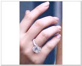 khloe engagement ring khloe engagement ring pictures 2