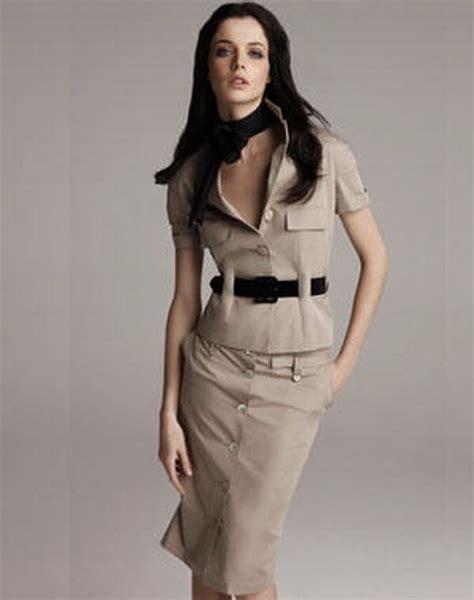modele de robe de bureau tailleur femme chic
