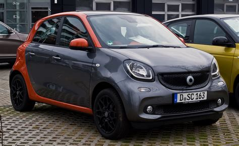 File:Smart Forfour 1.0 Edition 1 (W 453) – Frontansicht ...