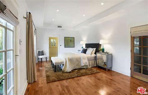 alanis morissette house alanis morissette s brentwood ca house sold for 5 3m