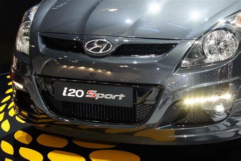 hyundai  sport edition bows   paris show carscoops