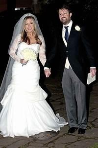 Victoria Coren marries David Mitchell - fishtail wedding ...