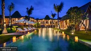 Villa Mannao in Kerobokan, Bali - 8 bedrooms - Lowest