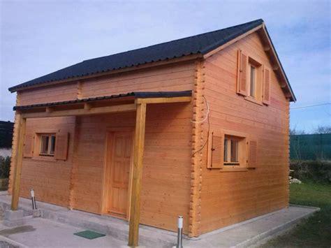chambre ouverte sur salle de bain chalet habitable de 35 m avec étage en bois en kit avec