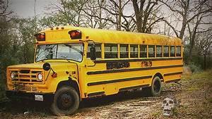 Abandoned schoo... School Bus