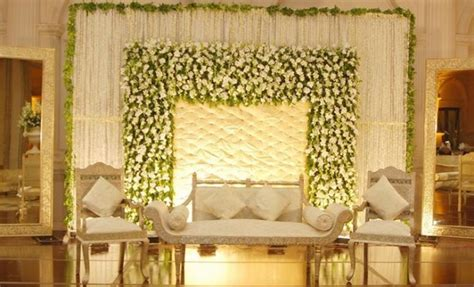 Engagement Stage Decoration 2017-2018 Ideas & Trends