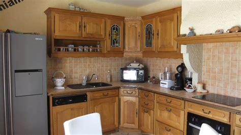 recouvrir meuble de cuisine cuisine rustique chene relooker une cuisine rustique en