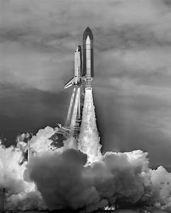 Space Shuttle Black And White - Pics about space