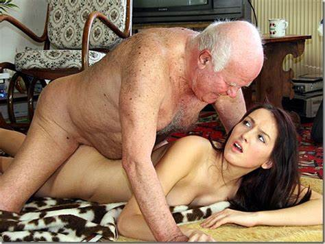Beauty Bitch Get Penetrated By Grandpa