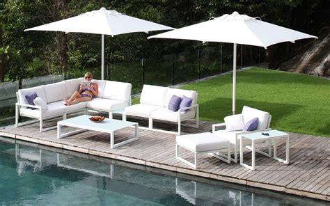 canape pour exterieur salon de jardin canapé fauteuil bas et banquette