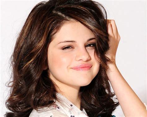 Selena Gomez's Biography