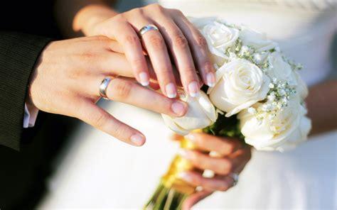 hands wedding rings bouquet roses hd wallpaper