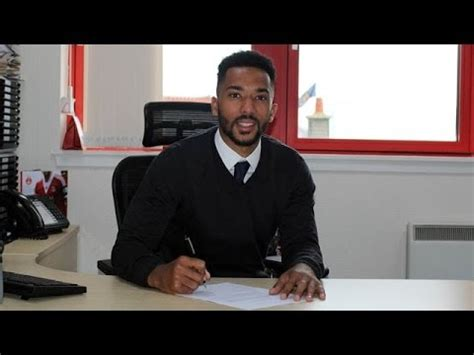 RedTV Exclusive | Shay Logan signs pre-contract - YouTube