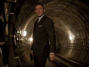 James Bond Skyfall : james bond returns 007 things to know before seeing 39 skyfall 39 business insider ~ Medecine-chirurgie-esthetiques.com Avis de Voitures