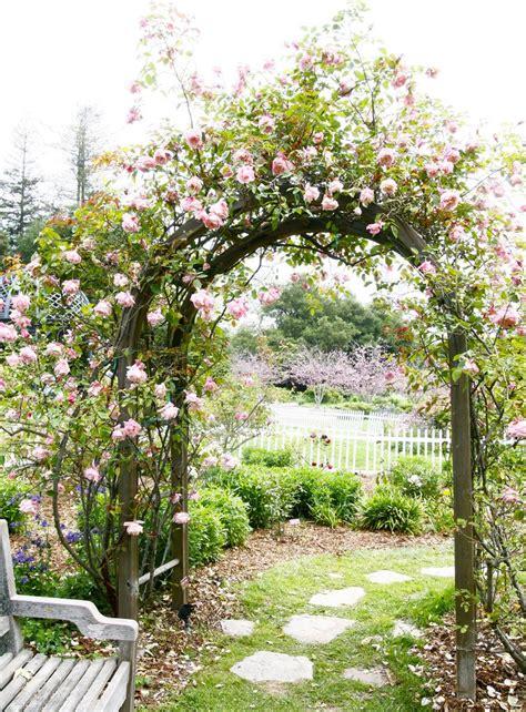 Garden Arbor Plants by 13 Garden Arbor Ideas To Complete Your Garden Aesthetic