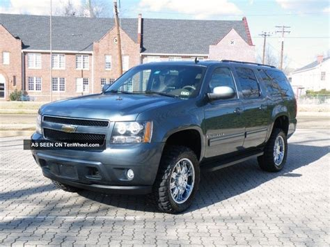 2009 Chevrolet Suburban by 2009 Chevrolet Suburban 1500 Lt Sport Utility 4 Door 5 3l