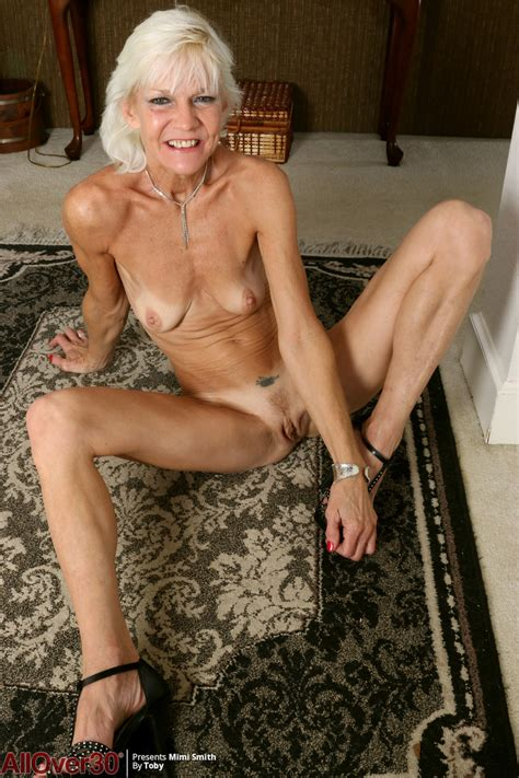 Skinny Gilf Mimi Smith Bares Her Tiny Tits As She Removes