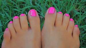20 Cute and Easy Toenail Designs for Summer - The Trend ...