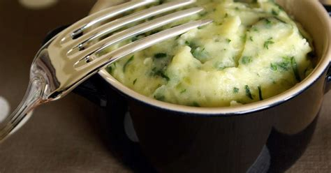 cuisiner les pommes de terre purée cressonnière recette de purée cressonnière purée