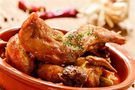 conejo al ajillo receta tradicional casera facil  deliciosa