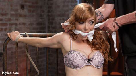 Redhead Princess Try Banged From Knee Penny Finds Each Cuffed To A Dorm On Her Spooning