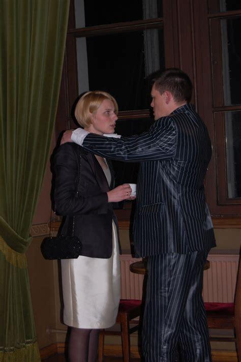 Repše kopā ar sievu operu vēro, sadevušies rokās - No ...