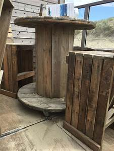 Kabeltrommel Aus Holz : kabeltrommel aus holz als stehtisch mit rollen drunter pinteres ~ Frokenaadalensverden.com Haus und Dekorationen