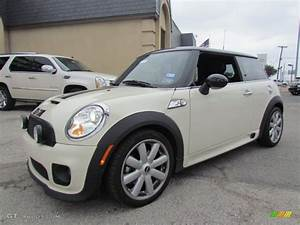 Mini Cooper S 2008 : pepper white 2008 mini cooper s john cooper works hardtop exterior photo 56241992 ~ Medecine-chirurgie-esthetiques.com Avis de Voitures