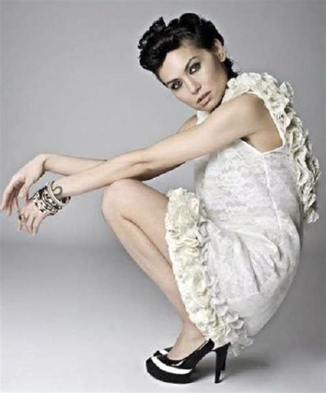 Backless Short Wedding Dresses 2013 Pictures Fashion Gallery