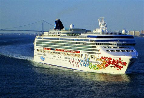 Norwegian Cruise Ship Gem | Fitbudha.com