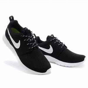 Nike Rosherun 新款網紗輕跑鞋 nike慢跑鞋 耐吉運動鞋 黑白花繩 情侶款 薄款 銘品匯