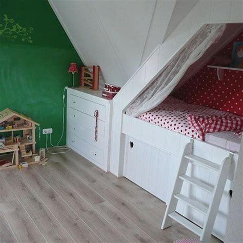 ideeen voor kinderkamer op zolder bedstee voor een