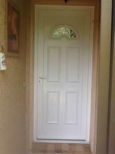 Poser Une Porte D Entrée En Rénovation : poser une porte d 39 entr e pvc en r novation dans une maison ~ Dailycaller-alerts.com Idées de Décoration