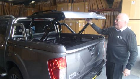 nissan navara top  cover tonneau lid  styling bars