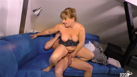 Naughty Amateur German Mature Slut Gets Drilled On The